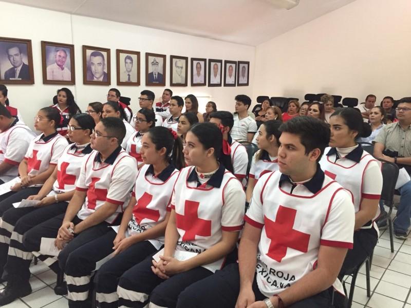 Socorristas de Cruz Roja Mazatlán reciben constancias