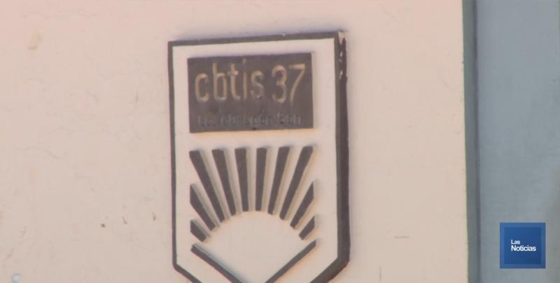 Por incompatibilidad en el sistema, la situación del maestro de electricidad: Directora de Cbtis 37