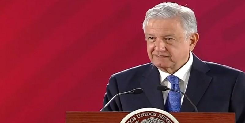 López Obrador acusa al regulador energético de México de conflicto de interés