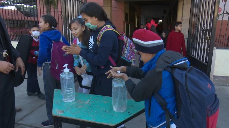 Hay seis casos de hepatitis en escuela 4 asegura el director