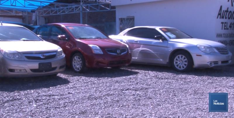 "Vendedores de autos usados esperan solución al problema de la ""chuecos"""