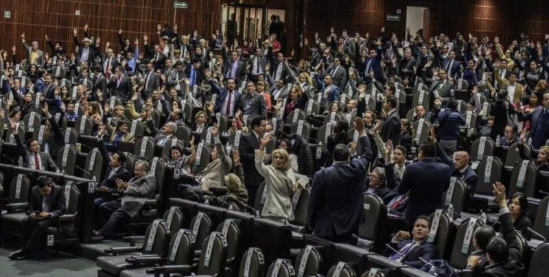 Presidente de México aplaude reforma que convierte corrupción en delito grave