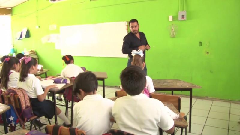 Prometen regularización en pagos a docentes en Sinaloa