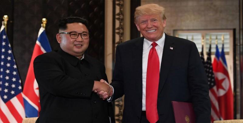 Trump llega a Hanoi en la víspera de su segunda cumbre con Kim Jong-un