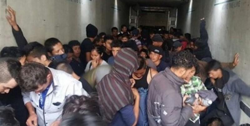 Interceptan a 234 migrantes dentro de camiones en Chiapas