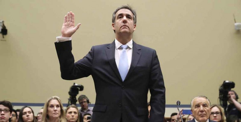 """Cohen dibuja a un Trump """"racista"""" y """"estafador"""" ante un Congreso dividido"""