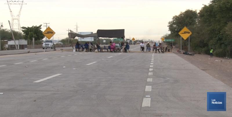 En Potam, Yaquis amenazan con bloquear ambos carriles de la carretera internacional
