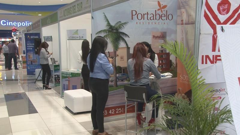 Continúa expo vivienda en plaza Sendero