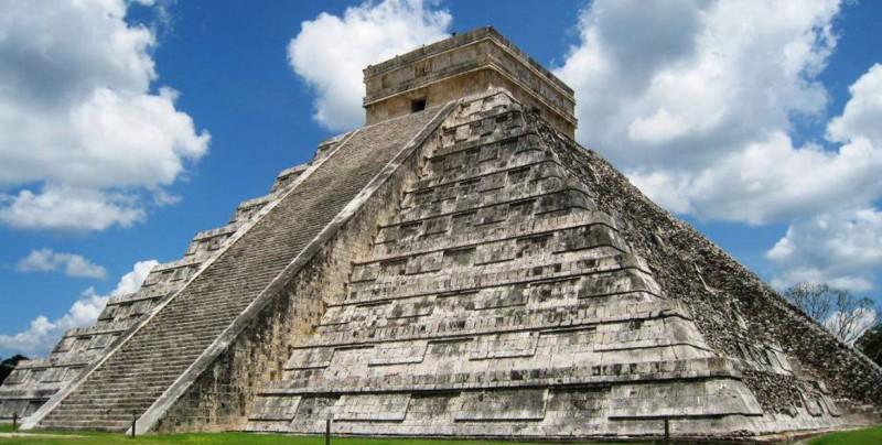 Encuentran cientos de piezas en cueva ritual de ciudad maya Chichén Itzá