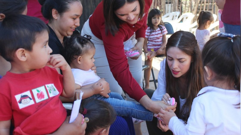 DIF realiza programas de apoyo a familias vulnerables