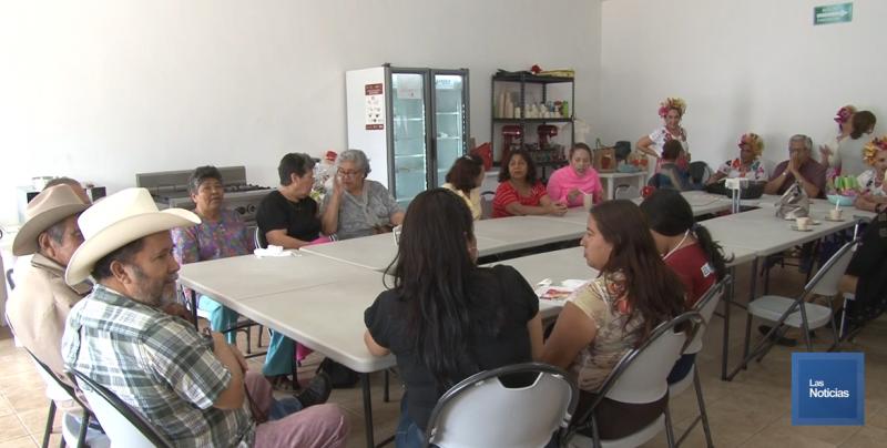 Adultos Mayores del CEDAM realizan su primera Semana Cultural