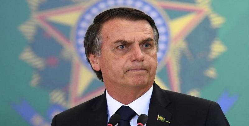 """Bolsonaro se refiere a la mujer como """"joya rara"""" y promete más representación"""