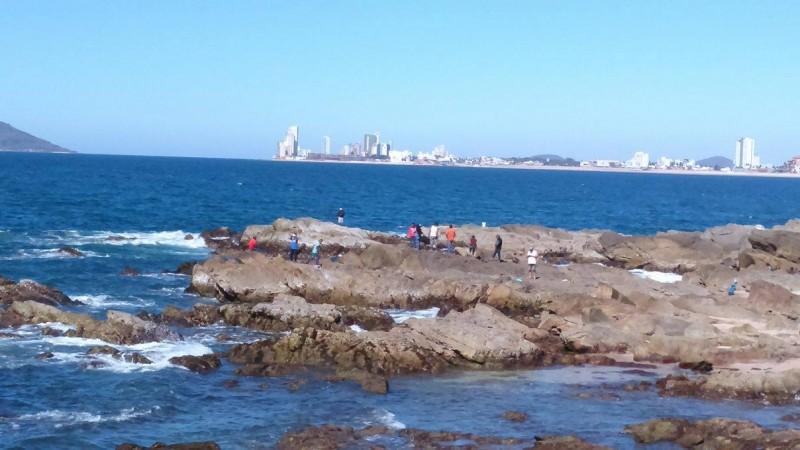 Mejorar imagen turística, mantener playas limpias: Operadora de Playa