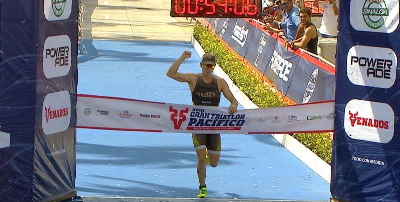 Rodrigo González gana el Triatlón Pacífico Mazatlán 2019