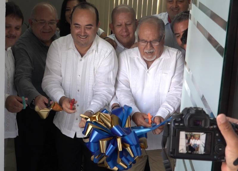 """Inaugura CANACO Mazatlán sala de juntas """"Guillermo Romero"""""""
