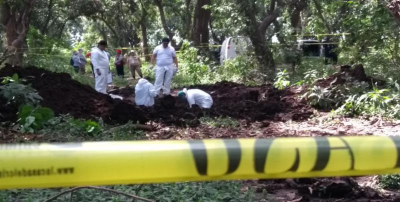 """Logran """"Sabuesos Guerreras"""" rescatar cuerpos  de fosa clandestina"""