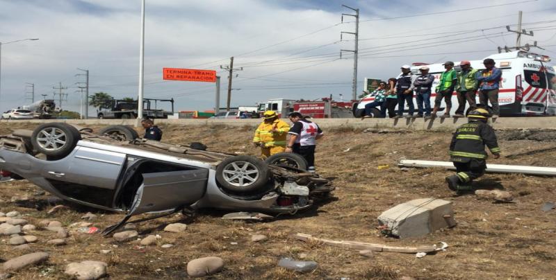 Pareja resultan lesionados tras accidente de tránsito