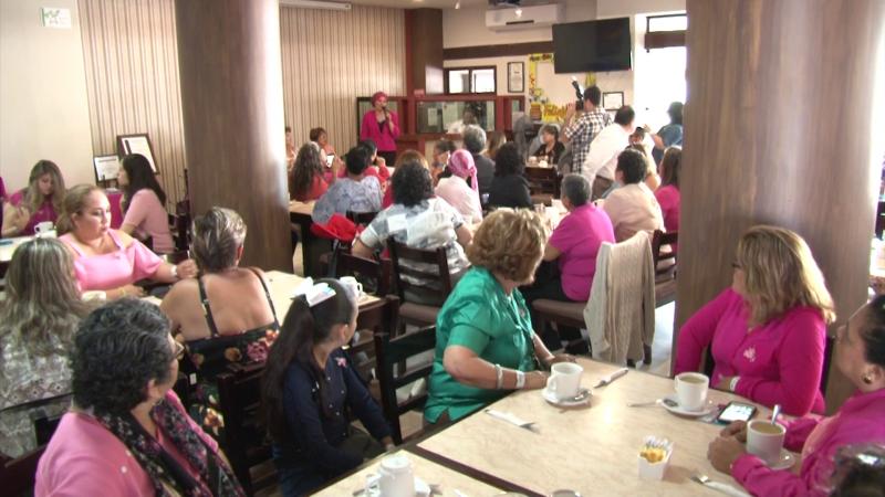 Fundación Cruzada Rosa realiza desayuno en conmemoración del día internacional de la mujer