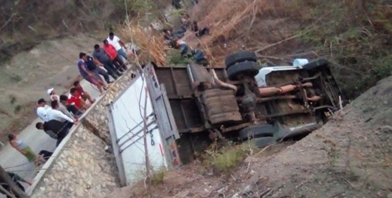 El Parlacen pide a México investigar accidente que dejó 25 migrantes muertos