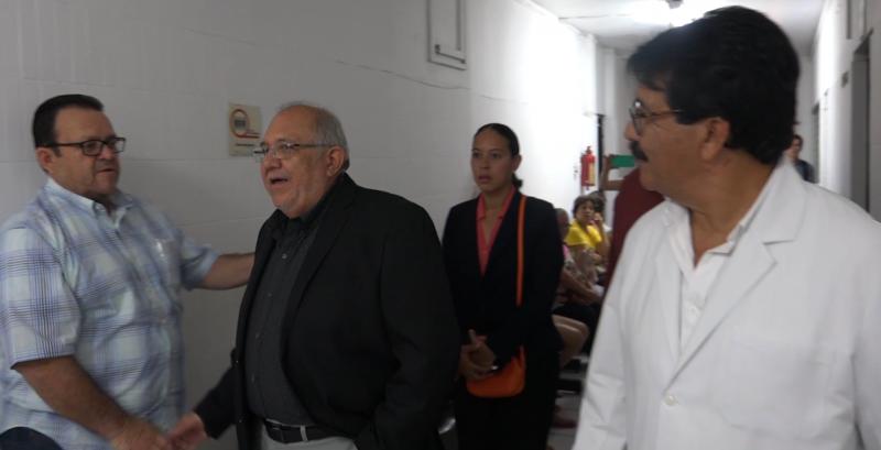 """Alcalde de Mazatlán encabeza recorrido por Hospital Municipal """"Margarita Maza de Juárez"""""""