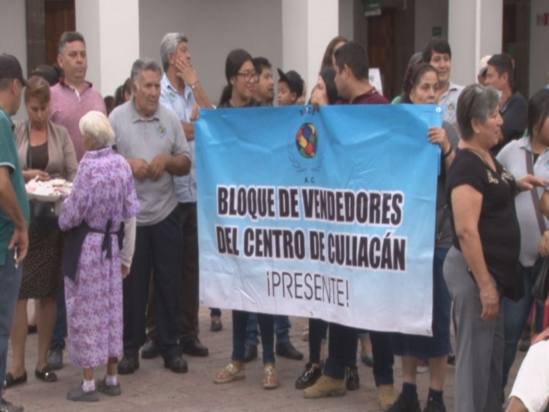 Protestan vendedores retirados del primer cuadro de Culiacán