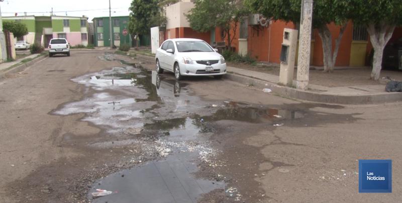 En Cajeme, vecinos de la Primero de Mayo solicitan trabajos al Oomapasc