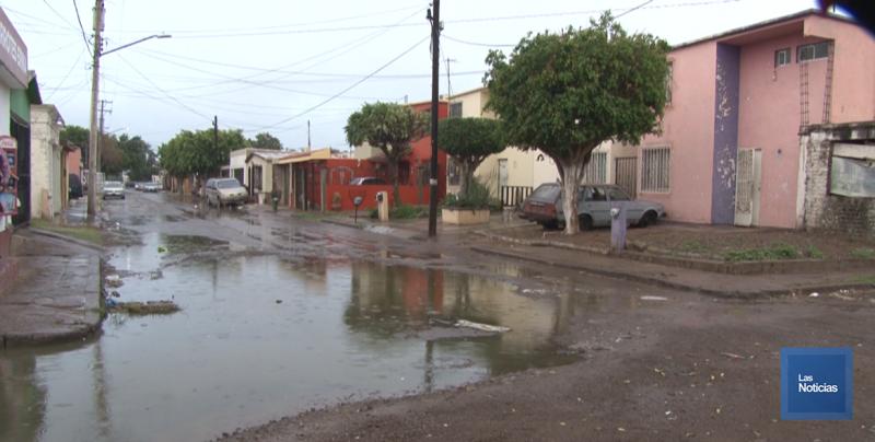 En Valle Dorado, vecinos piden trabajos al Oomapasc