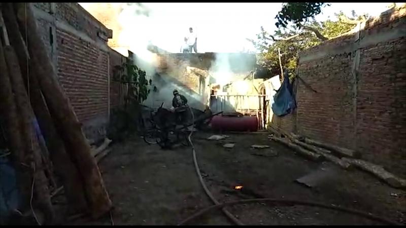 Incendio acaba con cuarto de lámina y cartón en Mazatlán