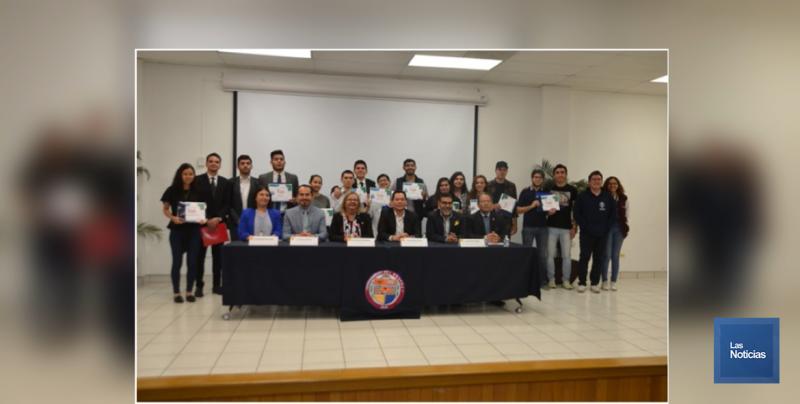 """Entregaron premios del concurso """"Jóvenes Hablando de Salud"""""""