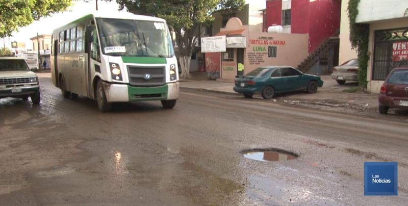 En Cajeme, vecinos de la Primero de Mayo afectados por las aguas negras