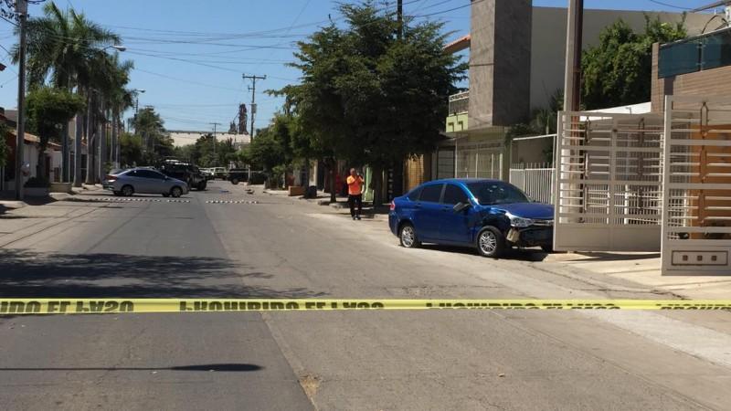 Presuntos robacarros desatan persecución y balacera, fueron detenidos por Federales