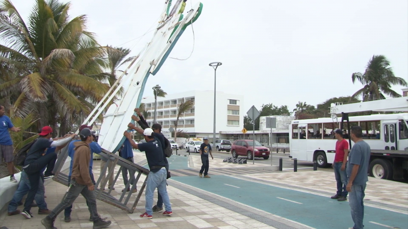 Retiran los monigotes del carnaval de Mazatlán 2019