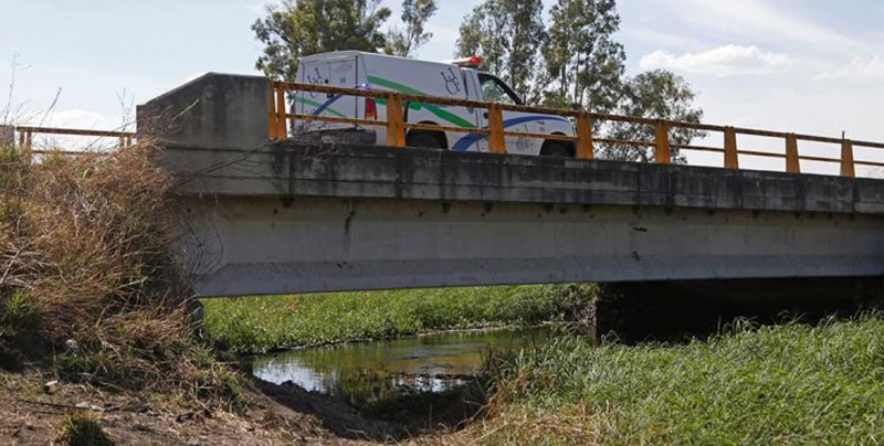 Hallan 19 cuerpos en canal de aguas residuales en Jalisco