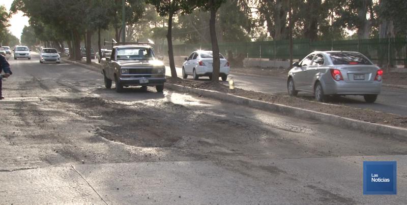 En Cajeme, la calle Morelos luce con daños