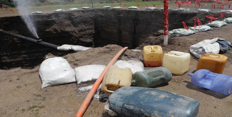 Investigan a un exalcalde en México por nexos con banda que roba combustible
