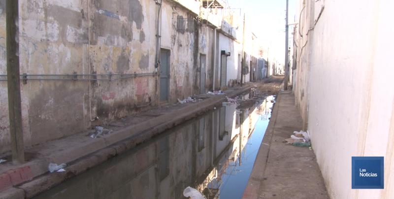 En Cajeme, céntrico callejón luce contaminado