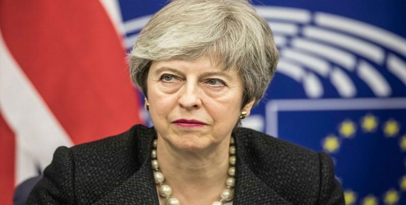 """May pide la prórroga del """"brexit"""" hasta el 30 de junio para superar la crisis"""