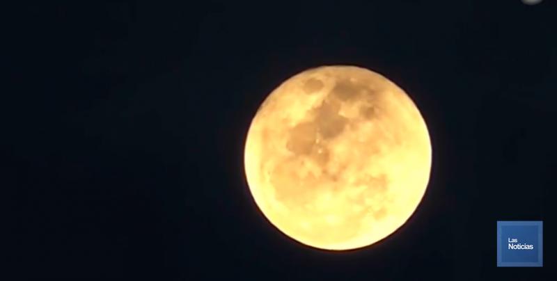 Disfrute la Luna llena de esta noche