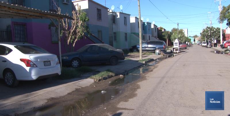 En la Nuevo Cajeme, vecinos solicitan trabajos al Oomapasc