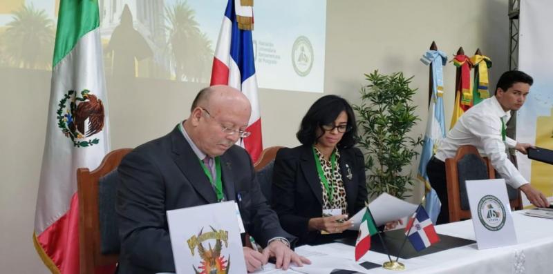 Firma  la UAS acuerdos con la Universidad de Manizales y la Universidad Tecnológica de Santiago