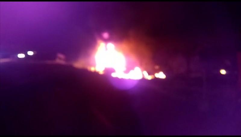 Se incendia pipa en Escuinapa, muere su conductor