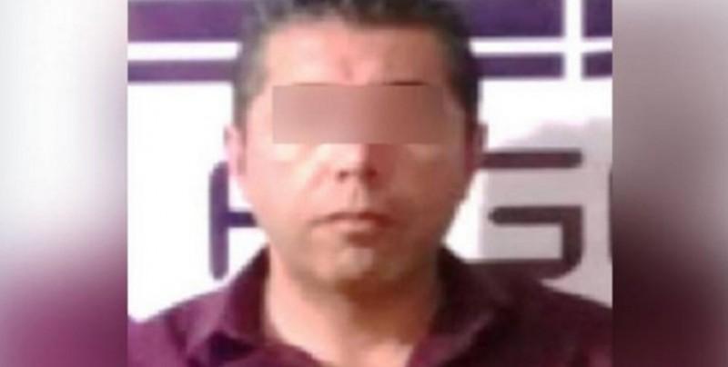 Padre abusa sexualmente de su hija como castigo por tener novio