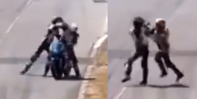Pilotos se agarran a golpes en una carrera de motocicletas