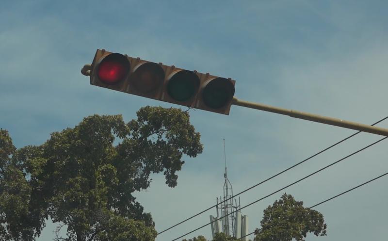 Busca Servicios Públicos modernizar semáforos en Mazatlán