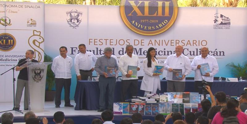 Facultad de Medicina de la UAS de fiesta, cumple 42 años