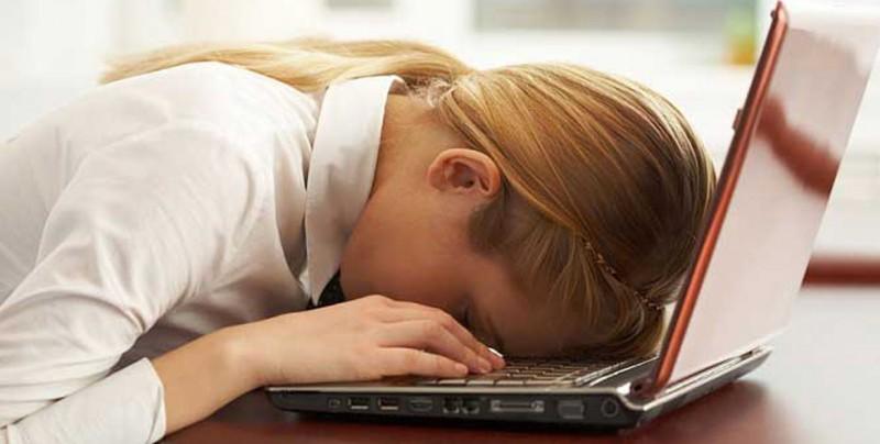 ¿Te sientes cansado constantemente? Podrías tener el síndrome de fatiga crónica