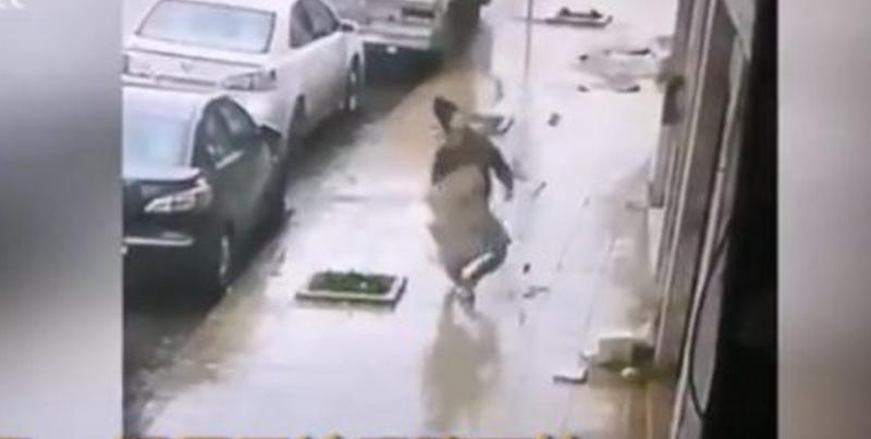 Hombre muere al instante que un bloque de cemento impacta contra su cabeza