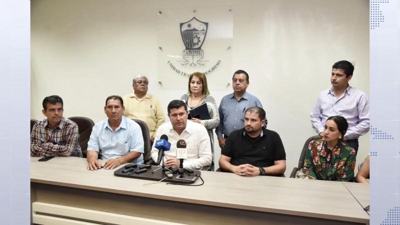 Empresarios dan voto de confianza a Juan Fierro como secretario del ayuntamiento