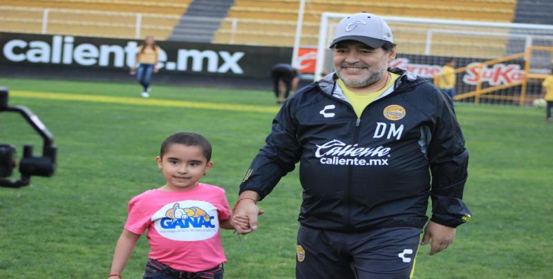 Diego Maradona encontró 'nuevo' trabajo en Dorados — YouTube