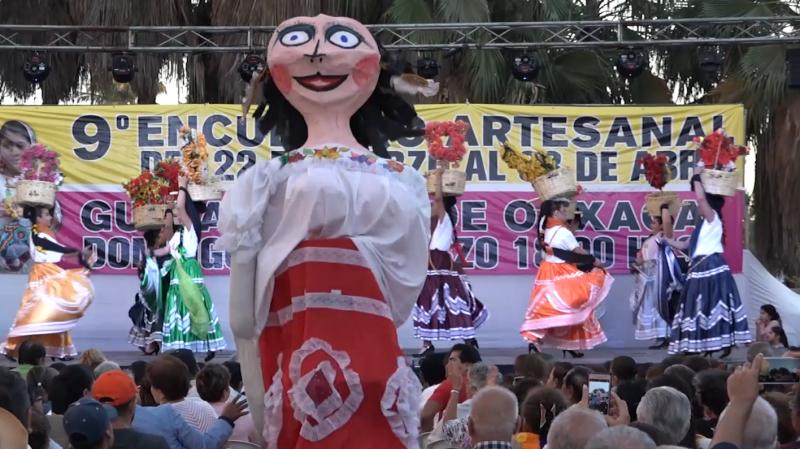 Enamora Guelaguetza en Encuentro Artesanal